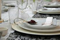 שולחן שחור – עיצוב – ויטרינה